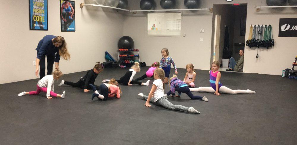 split practice rhythmic gymnastics